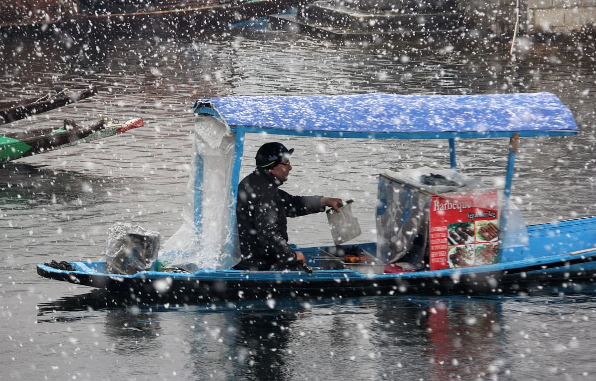 Snow, rain likely in J&K on Friday