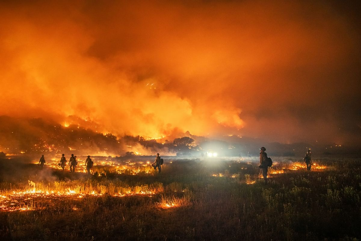 Greenhouse gas emission, air pollution cause distinct regional impacts on wildfires: Study