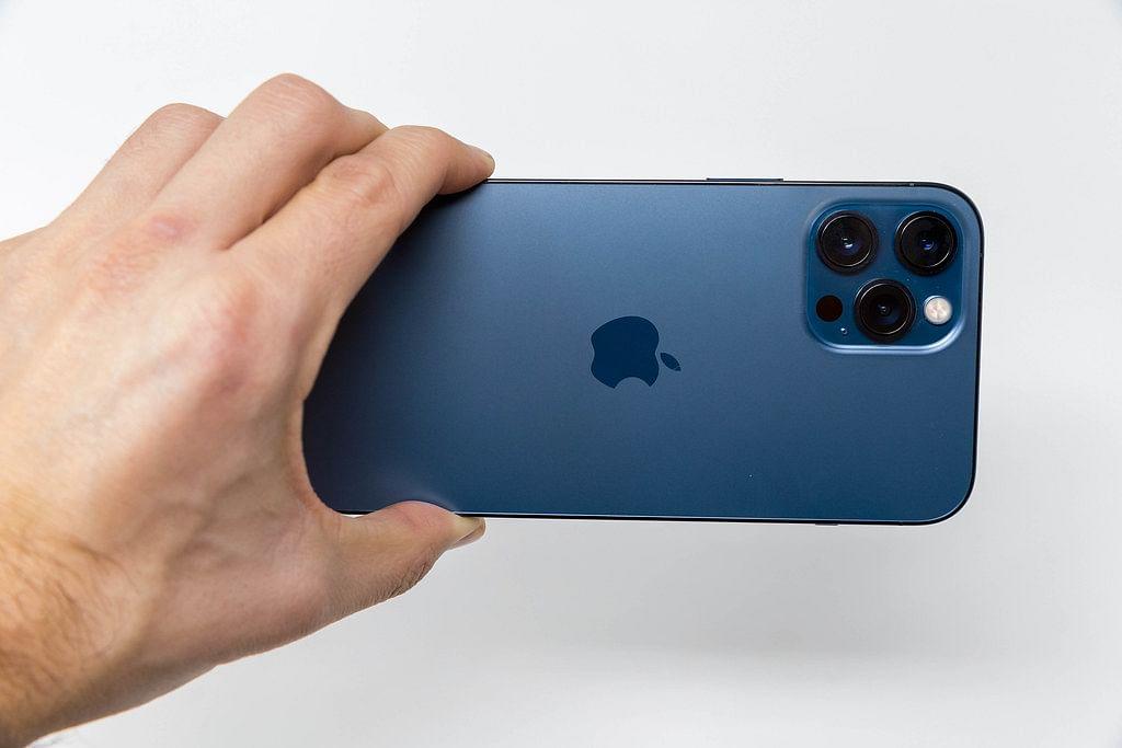 iPhone 12 Series sales cross 100M mark in April