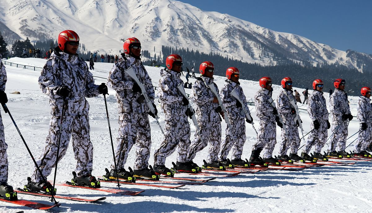 Army rescues eight civilians stuck in Ladakh due to snowfall