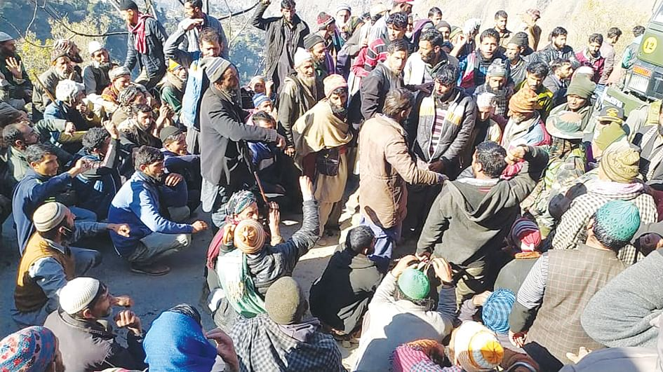 Mahore residents protest, demand completion of under-construction road