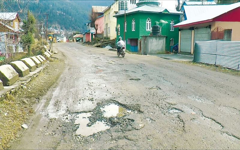 Residents cry foul over dilapidated Doda-Bhaderwah highway