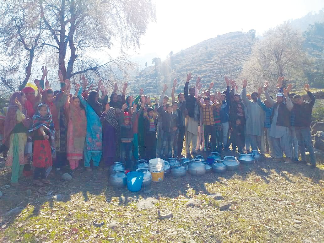 Upper Chajjla resident stage protest over water scarcity