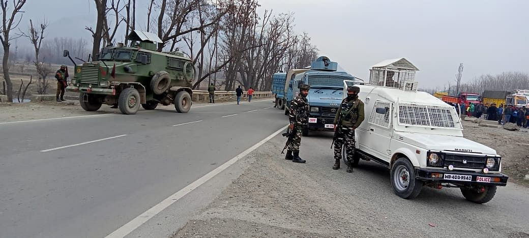 IED recovered on Srinagar-Jammu highway in Nowgam, defused