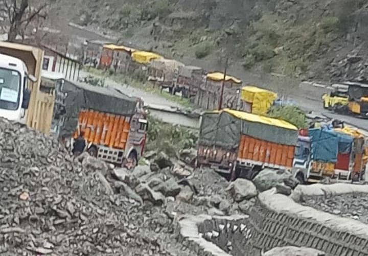 Jammu-Srinagar highway closed as heavy rain triggers landslides, shooting stones in Banihal