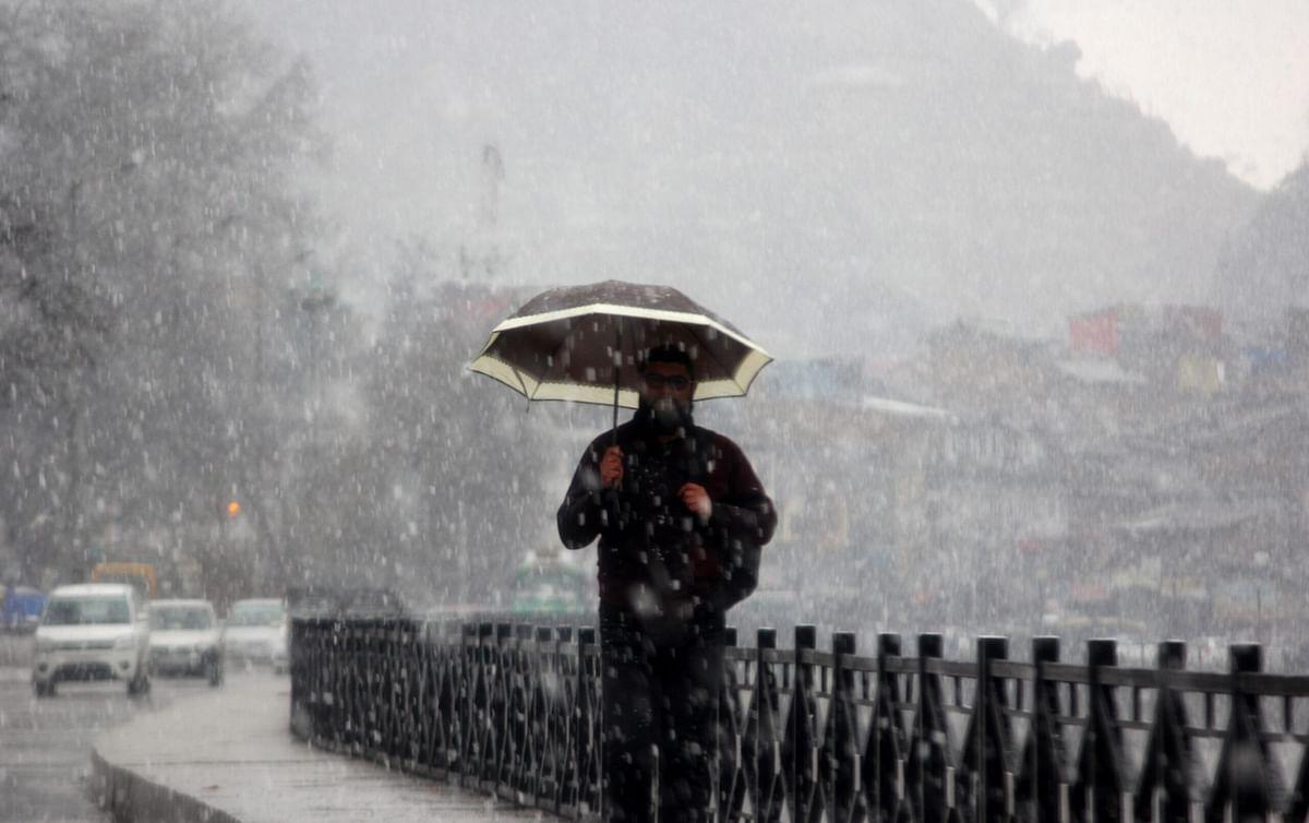Rain, light snow lash J&K