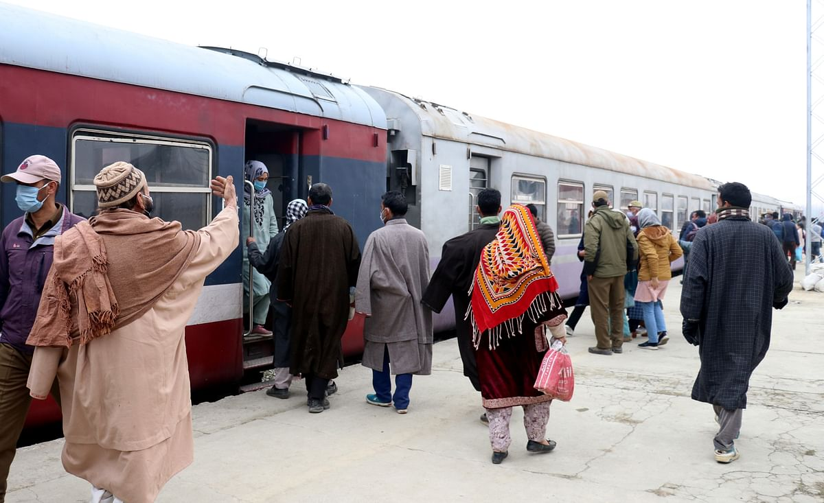 Train service resumes on Baramulla-Banihal route in Kashmir after year-long COVID-19 lockdown