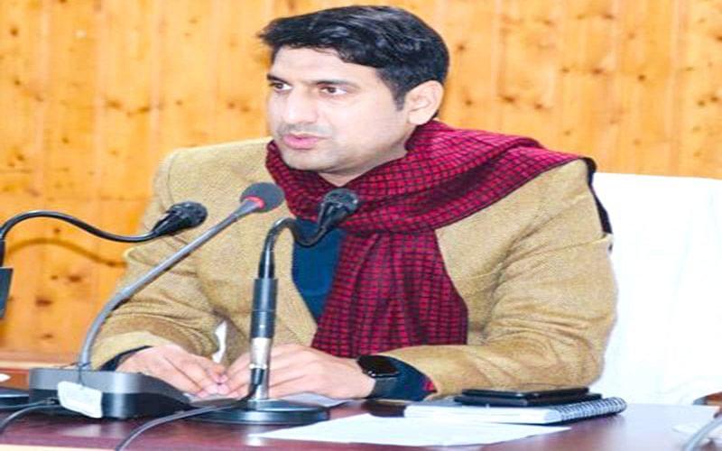 'No shortage of vaccine in Srinagar'