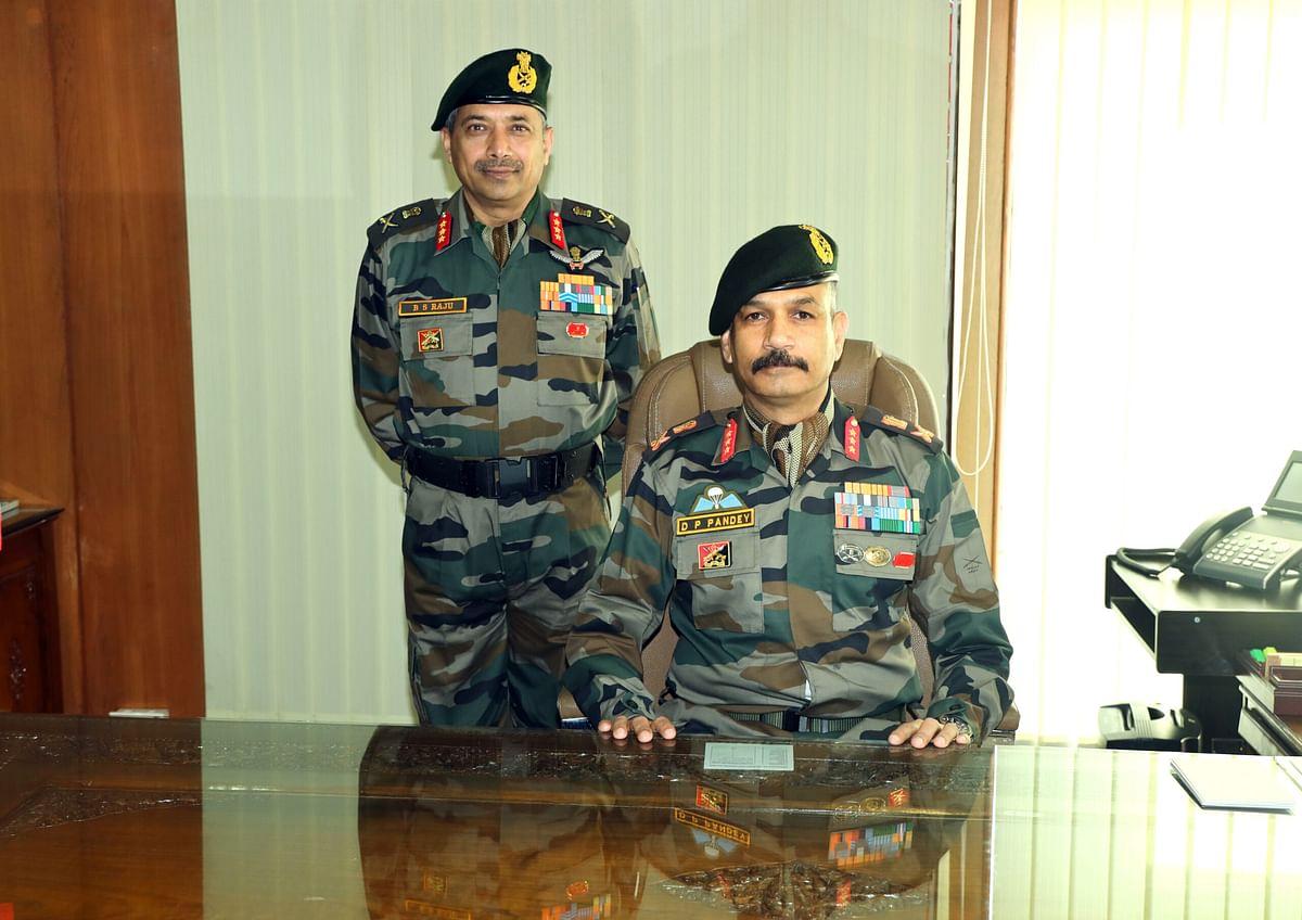 Lt Gen B S Raju hands over command of Chinar Corps to Lt Gen DP Pandey