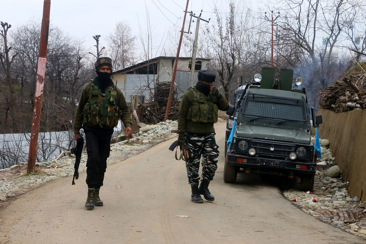 After day's lull, firing resumes at gunfight site in south Kashmir's Shopian