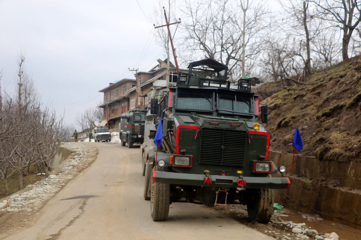 Fresh firing at Shopian gunfight site after a lull of several hours