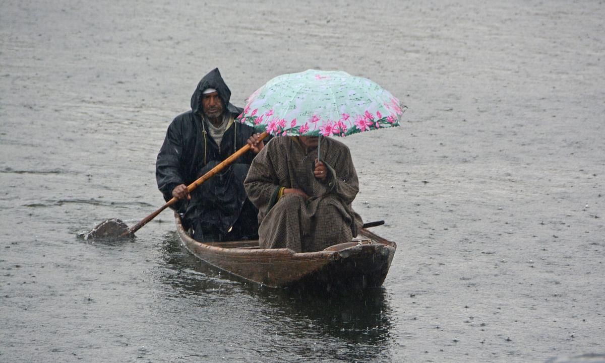 Light to moderate rain, snow forecast in Kashmir