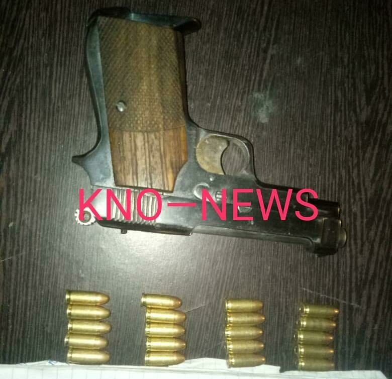 Two UP residents held along with pistol on highway in south Kashmir's Kulgam