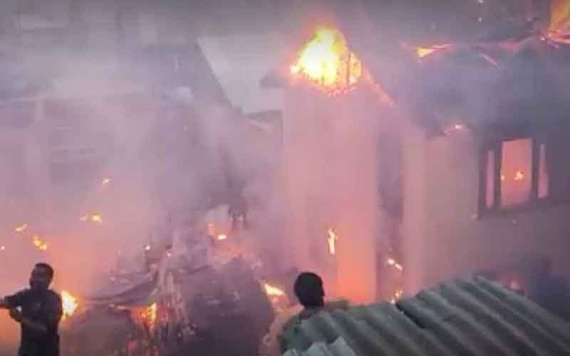 6 houses damaged in Sopore fire incident