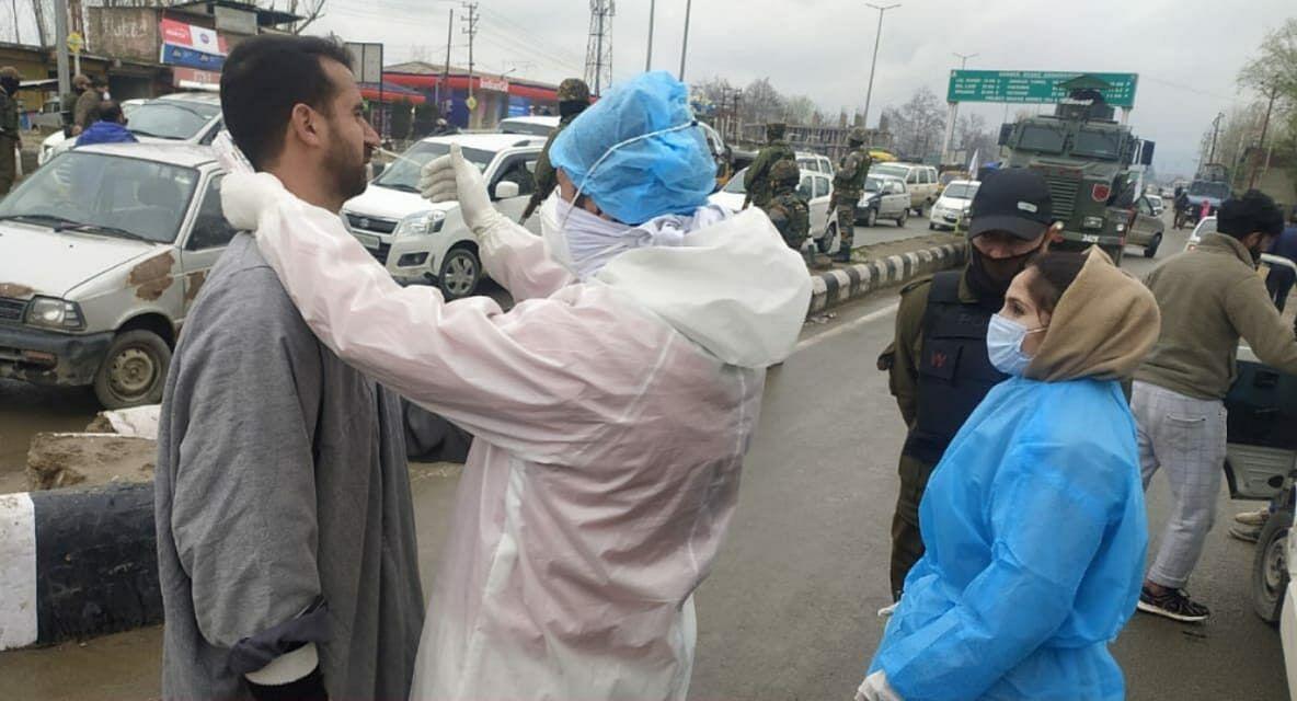 Face mask violators undergo on-the-spot COVID-19 testing in Srinagar