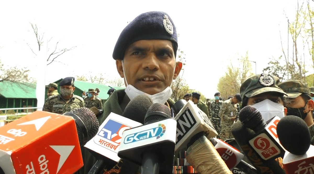 IGP Kashmir admits to security lapse in Sopore attack
