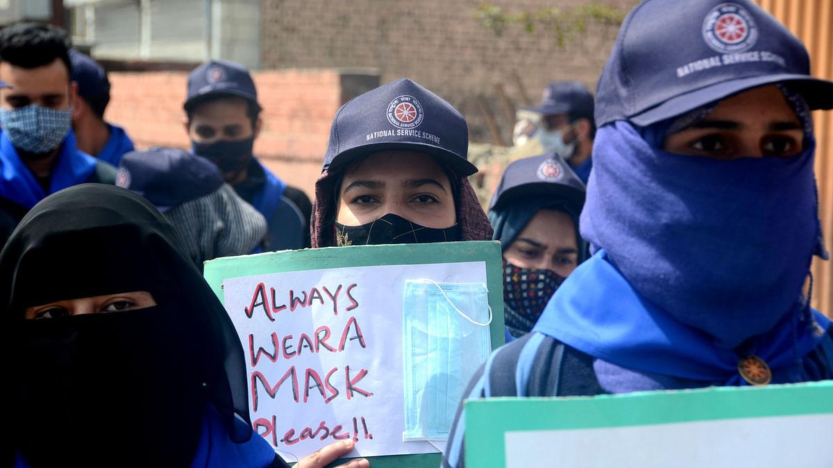 Health Deptt sets up vaccination sites in Srinagar colleges