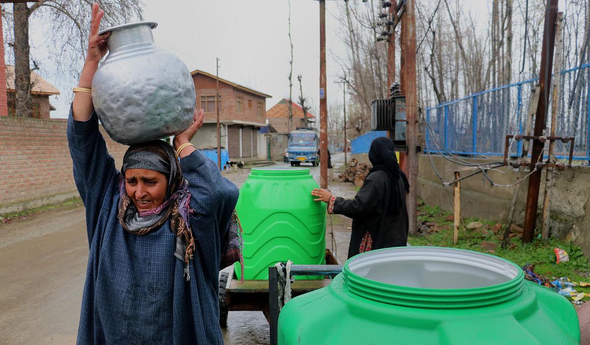 Handwara residents without portable drinking water