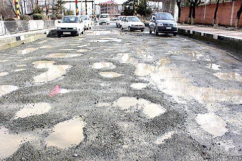 Potholes turn Baramulla highway into a 'cesspool'