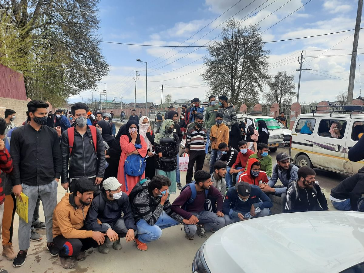 Students protest in Sopore, demand admission in college