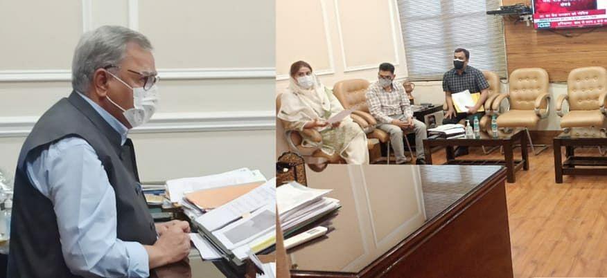 Advisor Farooq Khan reviews progress on PMDP sports projects