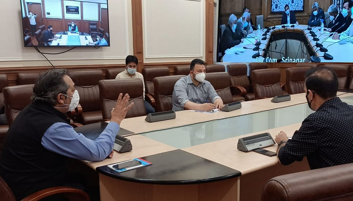 Advisor Baseer Khan reviews power scenario of Kashmir division