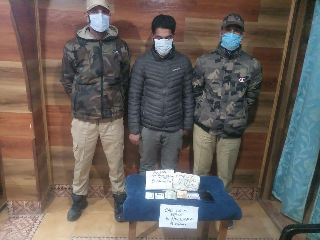 Drug peddlers arrested in Anantnag, Budgam
