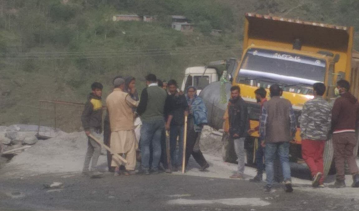 Contractor allegedly opens fire on workers demanding wages in J&K's Banihal, arrested