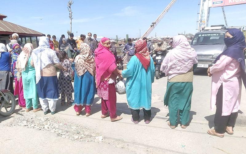 Water shortage triggers protest in Sopore