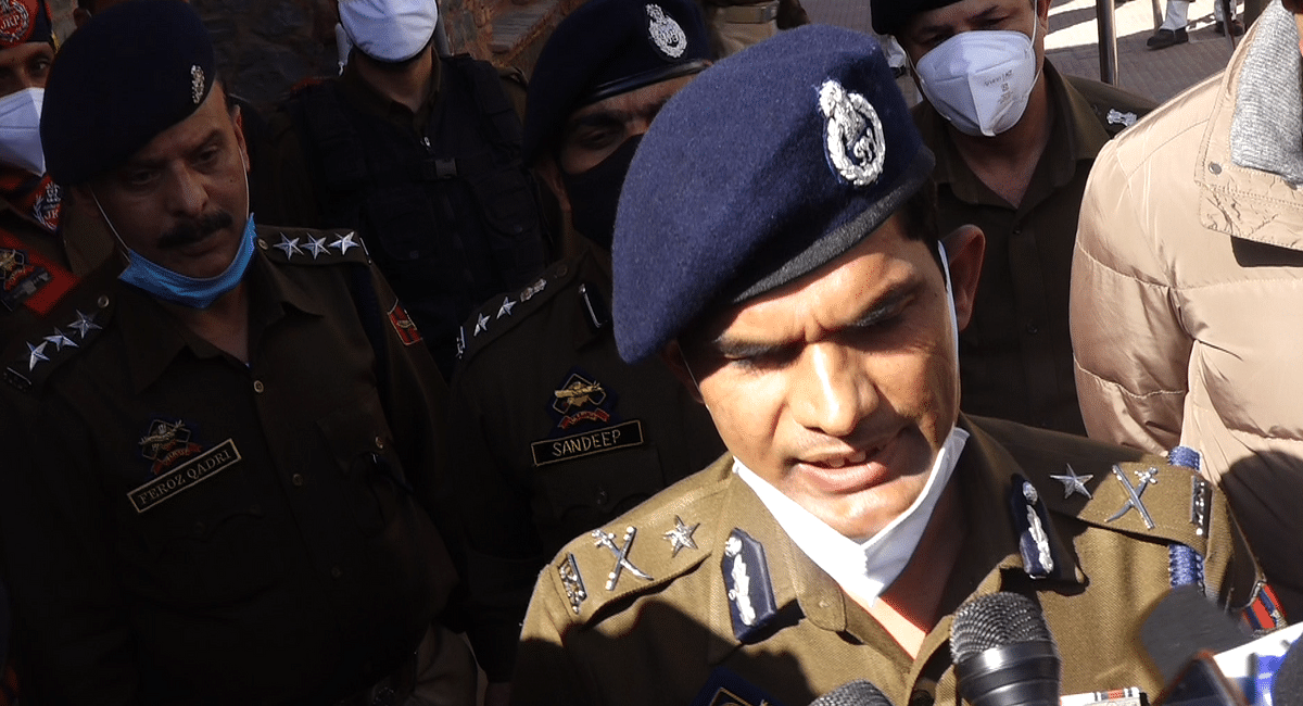 Four LeT militants carried out Nowgam attack, one was wearing burqa: IGP Kashmir