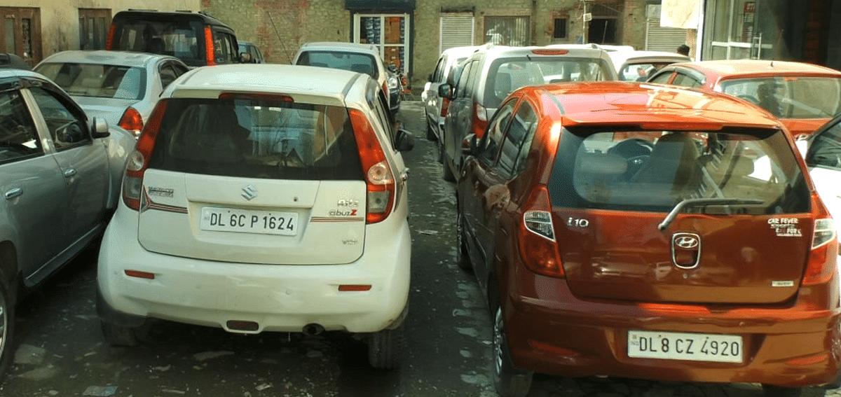 'Criminalised & grounded': Dealers criticize police crackdown on non-J&K vehicles