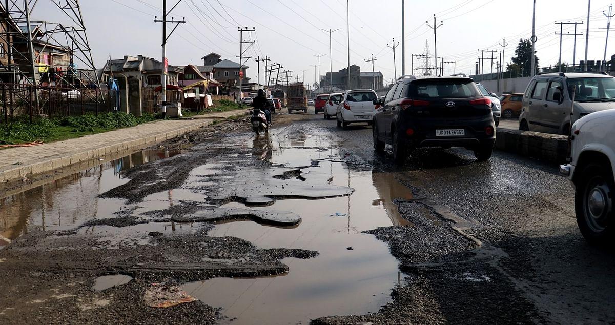 Dilapidated Kashmir roads a nightmare for commuters, pedestrians
