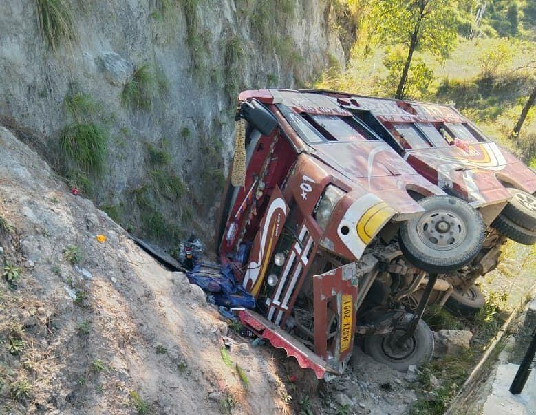 30 passengers injured as matador turns turtle in J&K's Akhnoor