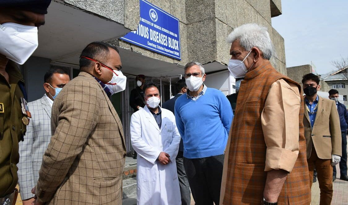 LG visits Omar at SKIMS Soura to enquire about ailing Farooq