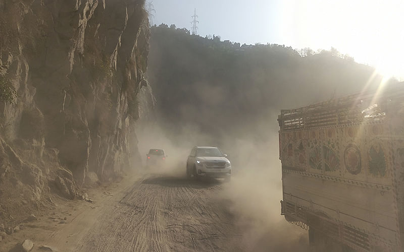 Dusty highway causing respiratory illnesses in Ramban: Experts