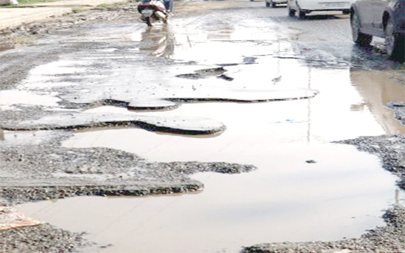 Roads inundated at Tawheed Bagh Colony