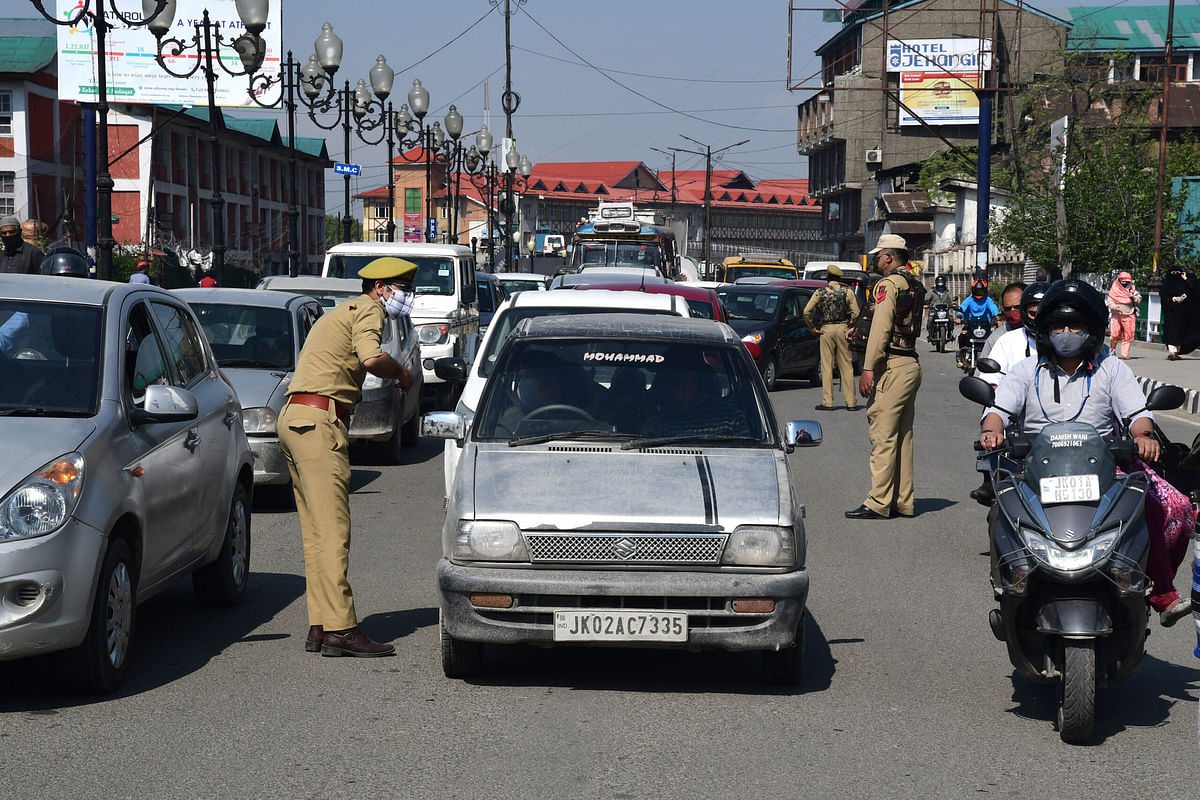 In Pictures: Fourth Day Of Corona Curfew In Kashmir
