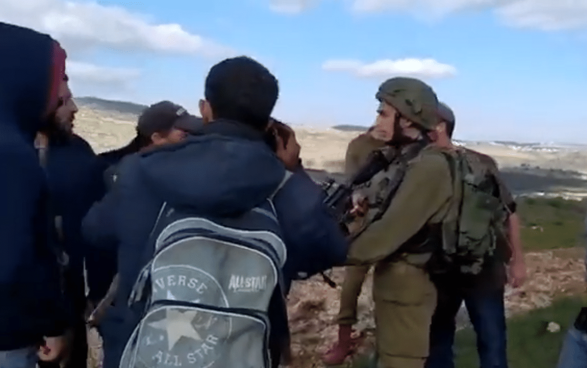 Israeli settlers attack Palestinian village after shooting