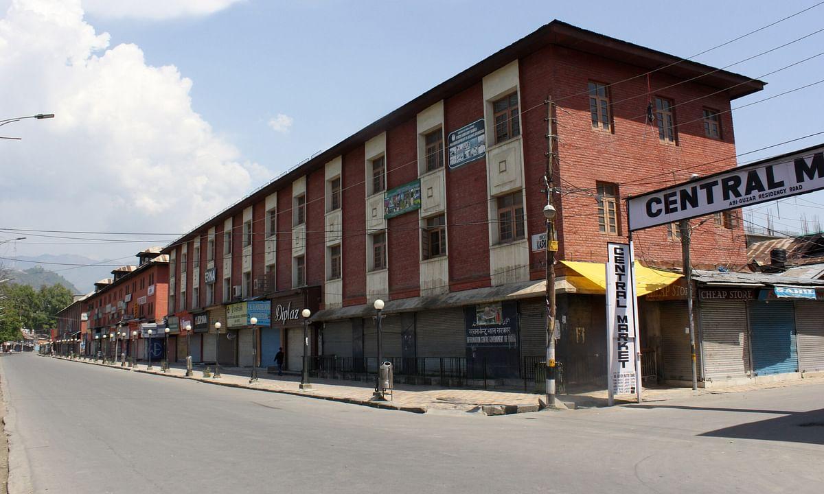 Lockdown to continue in 96 containment zones in Srinagar