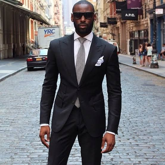 5 Items Every Man Must Have in His Closet