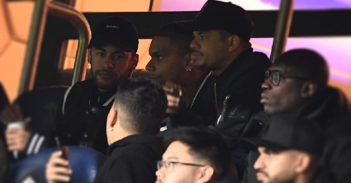 """""""Go F**k Yourselves"""" Neymar To Officials  After Man United's Loss"""