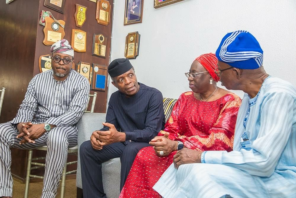 Osinbajo in a discussion with family