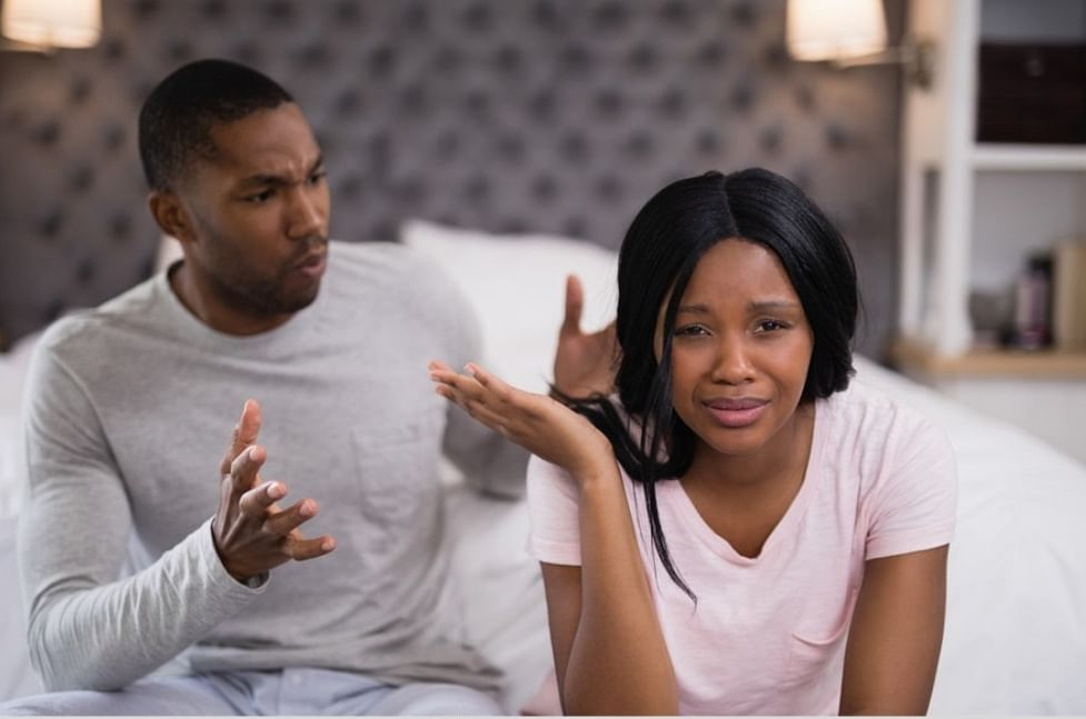 6 Signs He Doesn't Want To Marry You