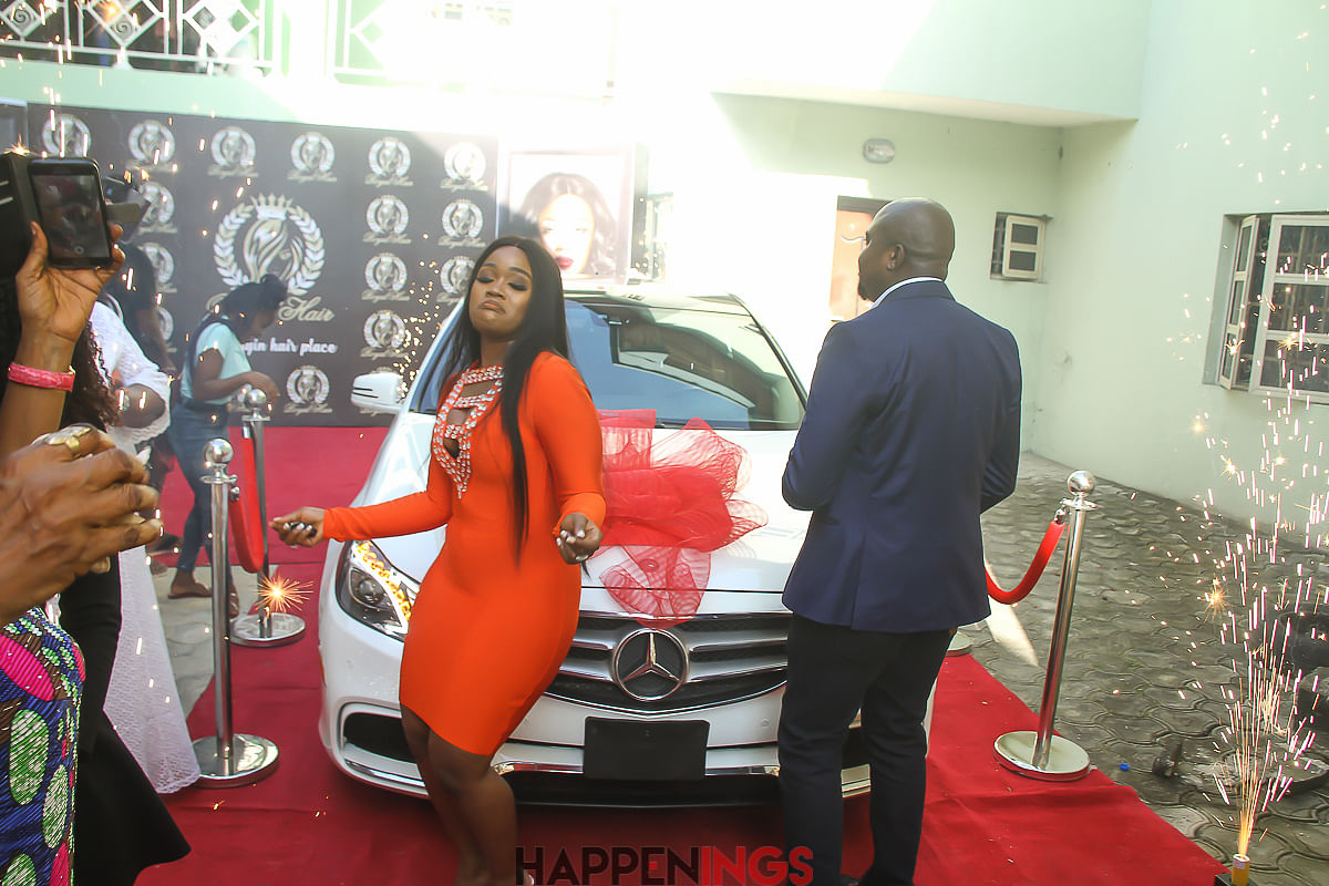 Steve Maduka hands over the Key of Mercedes E350 to Cee-C