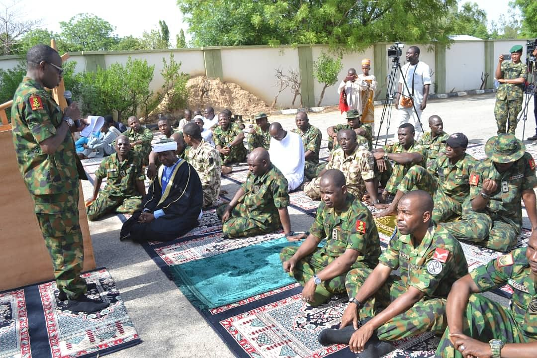 Chief of Army Staff Spends Sallah With Troops of 1 Brigade Nigerian Army &Troops of Operation Hadarin Daji in Zamfara State