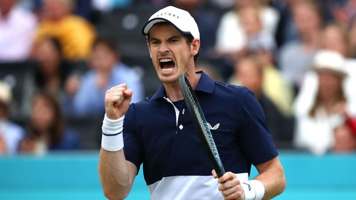 Andy Murray's Match Delayed By Bad Light Issues