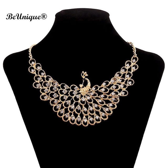 A statement neckpiece