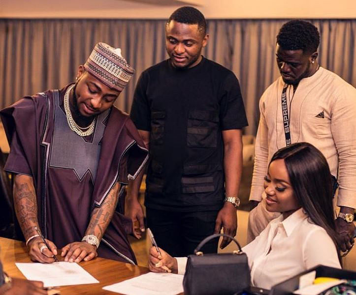 Davido Shuts Down Rumours of Ubi Franklin Cheating Chef Chi