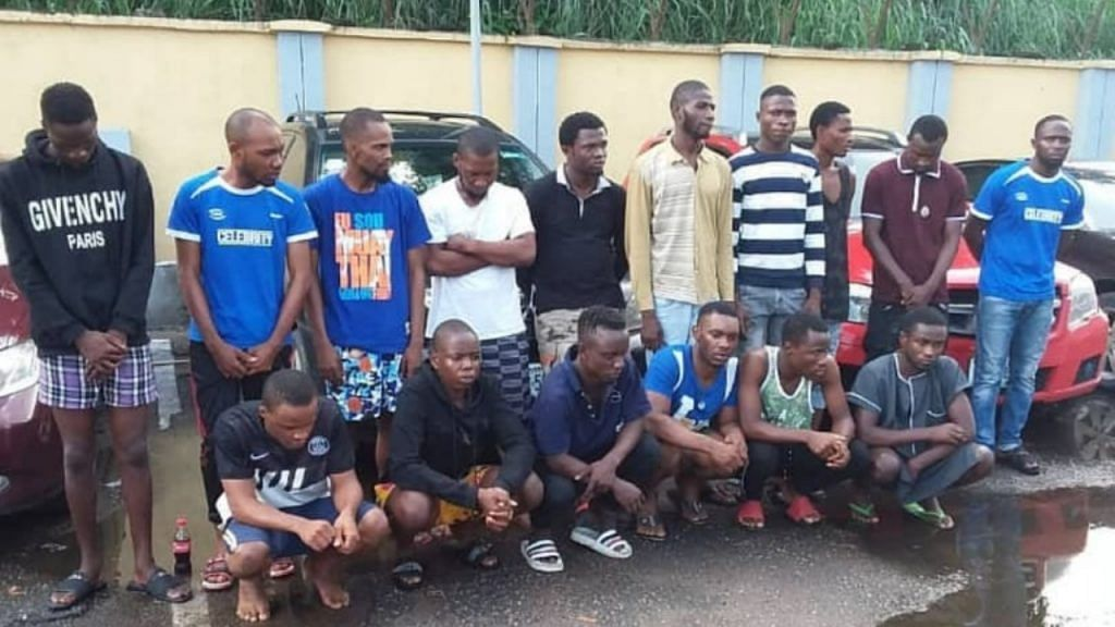 EFCC Arrests 16 Yahoo Boys In Warri