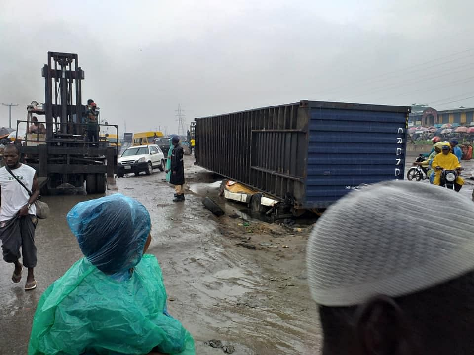 40 Feet Container Falls On Danfo Bus At Iyana Iba